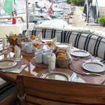 pic-200px-breakfast-aftdeck